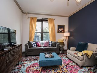 Vibrant 1br/ba | Midtown | Pool/Gym