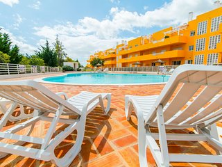 Royal Cabanas Golf Penthouse com 3 quartos, AC, piscina e Internet