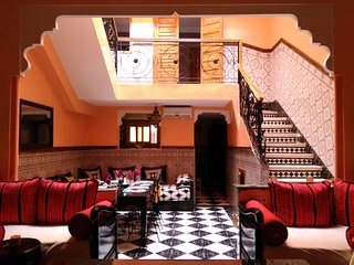 Riad Jasmeene :  A Triplex  of Moroccan atmosphere to discover the city !