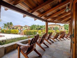 Gold Standard! Gorgeous Villa, 300' Beach, Huge Pool, Tennis Court.