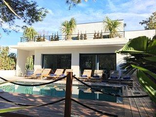 Magnifique Villa 4* à 5 mn à pied des plages ,restaurants,commerce ,piscine ,spa