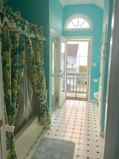 Master Bath - Tub view