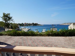 Apartment 3 *** 2 – 5 Persons ***