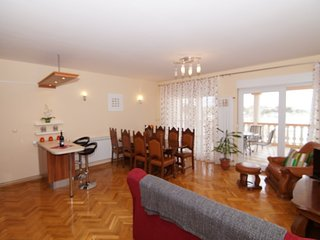 Apartment 6 *** 2 – 4 Persons ***