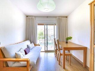 Cozy and bright apartment close to Camp Nou
