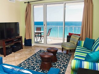 2018 UPGRADED Beach-Front  Condo with Amazing Views, New Balcony Furnishings