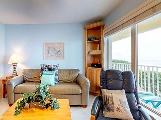 Dog-friendly, waterfront condo w/ private hot tub & furnished balcony