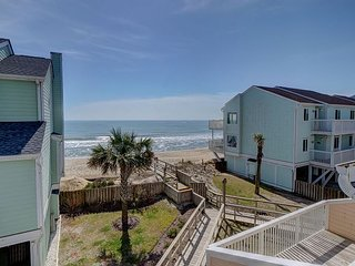 Ocean Dunes 1602 – Secluded oceanfront condo with oversized deck and views