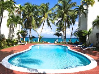 3 Bedroom Ocean View Apartment Ocho Rios Jamaica Sleeps 6 (up to 8 on request)