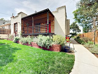 Stylish 2BR in Hills of Echo Park - Sweeping City Views from Private Backyard