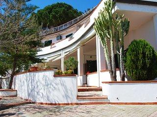 Appartamento vista mare in Villa Rubino