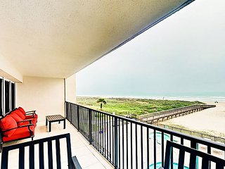 3rd-Floor Condo w/ Spectacular Gulf Views: 2BR w/ Pool, Hot Tub Unit 305