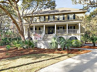 Roomy 5BR Near Beach w/ Private Pool & Outdoor Living ? Tennis & Playground