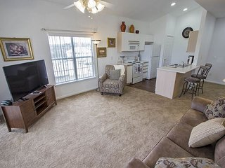 Helens Hideaway - Cute 2 Bed 2 Bath Condo located at Holiday Hills Resort!