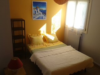 Homestay guest room in Frontignan, at Philippe's place