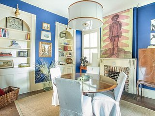 Stay Local in Savannah: Colorful 1800s Home with Private Courtyard!