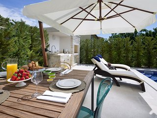 Lovely Villa Medea with private Pool and outdoor Barbecue