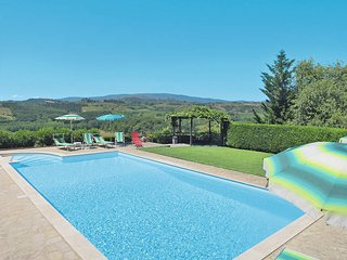 2 bedroom Apartment in San Gimignano, Tuscany, Italy : ref 5447529