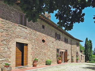 2 bedroom Apartment in San Gimignano, Tuscany, Italy : ref 5447526