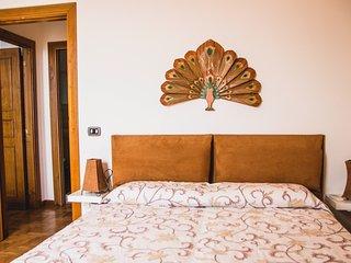 Stanza Fuoco in appartamento vista mare a Mergellina