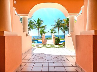 Riviera Maya Haciendas - QUINTA MAYA, 1BR, 2Guests, BEACHFRONT & 2 POOLS