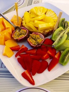 5 a day is easy when a fresh fruit platter looks like this