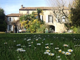 4 BR Luxury Farm House in Provence Near Avignon