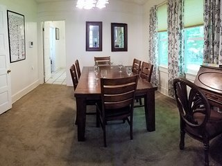 Raised Cottage -Ten to Fifteen minutes from French Quarter & Central NOLA