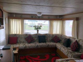Cosy 3 Bed Caravan, Millfields Caravan Park,
