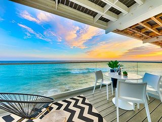 BOOK NOW! True Oceanfront Luxury - Panoramic Views & Indoor/Outdoor Living