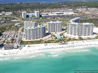 Silver Shells Luxury 3BR/3BA Condo! Gulf & Pool Views!