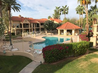 Desirable 2BR Condo Casita in Scottsdale Racquet Club