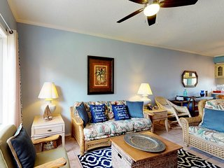 Family condo w/ balcony & shared pool - beach across the street!