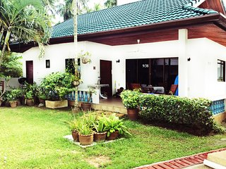 Spacious House: Pool, Fully Furnished - 0.5 miles to Yanui & Rawai beaches
