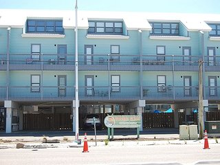 Ocean Reef 111: 2br/1+ba beachside condo in Gulf Shores, Sleeps 8