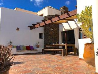 Beautiful villa with private pool in Lajares