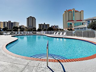 Newly Updated 3BR Corner Condo w/ Pool, Beach Access & 2 Balconies
