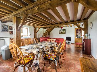 Le Pressior beautifully converted barn /cottage. Southfacing patio