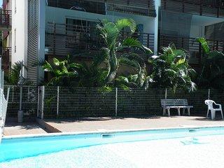 T2 RDC dans residence avec piscine