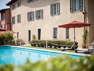 3 bedroom Villa in San Felice del Benaco, Lombardy, Italy : ref 5608017