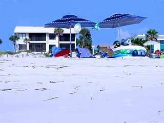 Anna Maria Island Absolute Anna Maria-Private Beach Access-Heated Pool-Free Wi-F