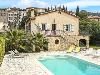 Heart of Cotignac Provence 3/2 house with pool