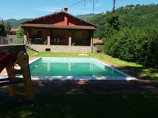 NEW 2018. 2 bedrooms, own  pool in centre Castelnuovo. Walk to facilities WIFI!