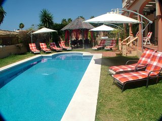 Fantastic Fully Equipped Villa With heated Private Pool And Sea Views