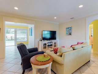 Bright house w/ private pool, island views & easy beach access - dogs ok!