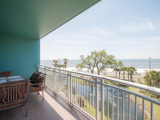Family Friendly Legacy Towers Condo w/ Large Balcony & 3 Resort Pools