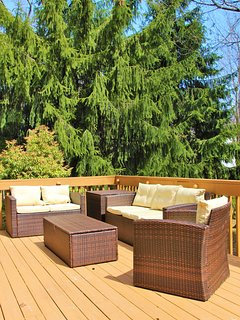 Modern outdoor conversation set perfect for entertaining and gatherings.