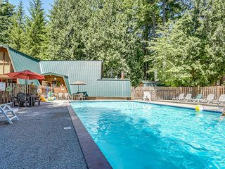 Charming lodge-style home w/ fireplace, private hot tub, & shared pool access!