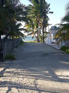 Distancia a la playa.....50m