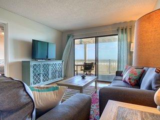 ⛱ Sunkissed 3 BR Oceanfront Retreat w/ Pool - Carolina Beach, NC